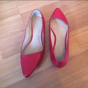 Cute red pointed flats